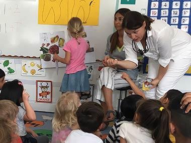 Dr. Jürgens besucht Kindergarten